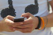 YouGov:青少年智能手机成瘾者越来越多